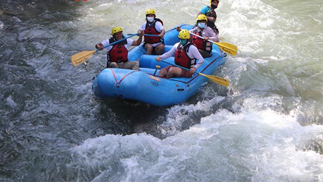 La municipalidad de Sayán y la DICETUR realizan visita de campo para práctica de canotaje.
