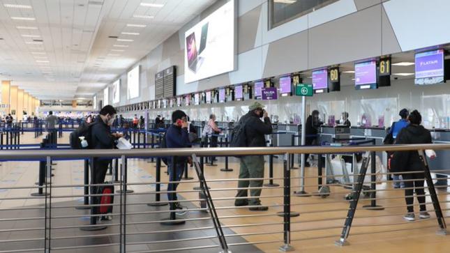 Ositrán recomienda a usuarios de aeropuertos respetar protocolos para la prevención del covid-19