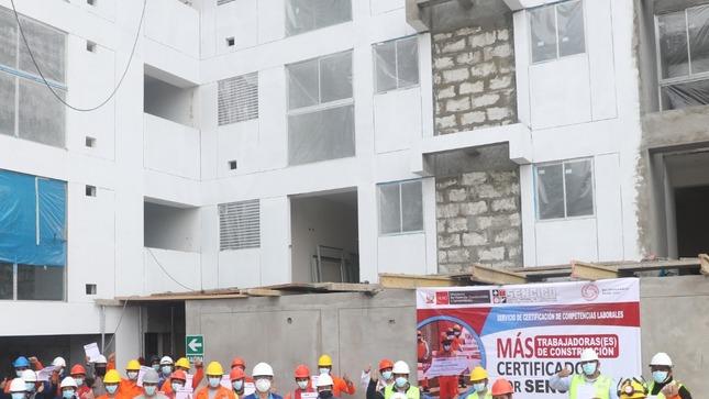 SENCICO reconoce competencias laborales de 2750 trabajadores de construcción civil en Lima