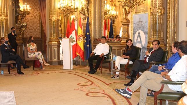 Diálogo sobre cocina peruana en la Casa de América de Madrid
