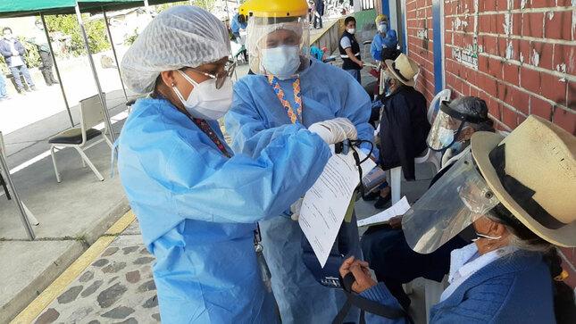 1° Campaña de vacunación contra el covid-19, exclusivamente para adultos mayores de 80 años a más, en el Distrito de Yauyos-Provincia Yauyos
