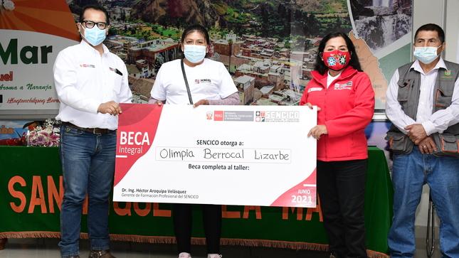 Ayacucho: SENCICO entrega más de 300 certificados de  competencias laborales a trabajadores de construcción civil