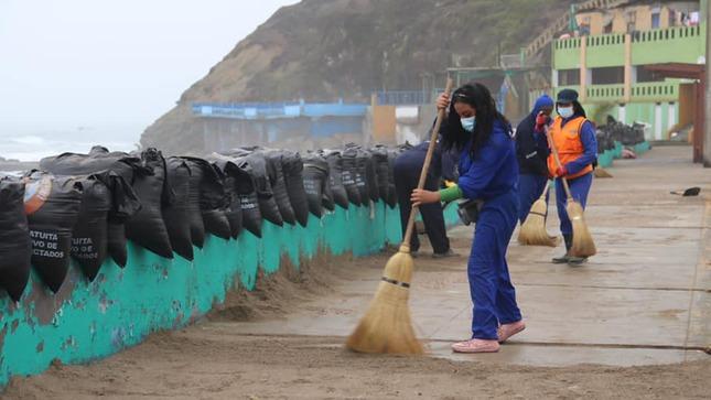 Continúan las Jornadas de Limpieza en las playas de Barranca.