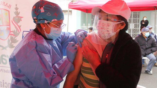 Salud en tu Barrio llegó esta mañana al sector de Lauriama en Barranca.
