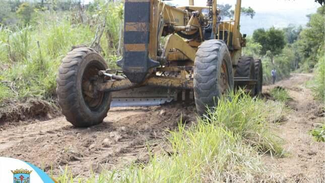 Maquinaria de la Municipalidad Provincial de Moyobamba viene interviniendo las vías del Centro Poblado Jerillo