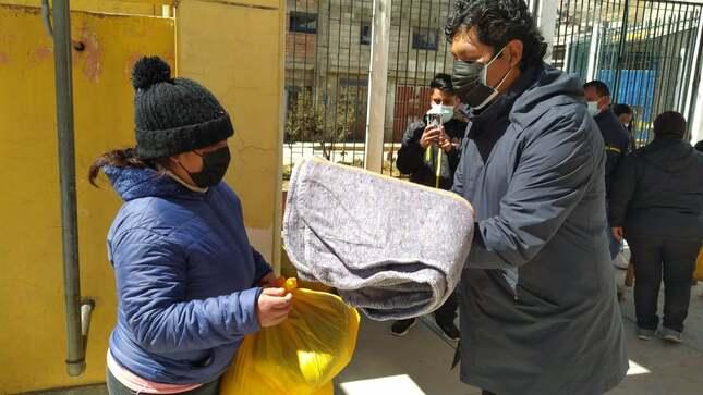 Entregamos kits de abrigo a las personas afectadas por las bajas temperaturas