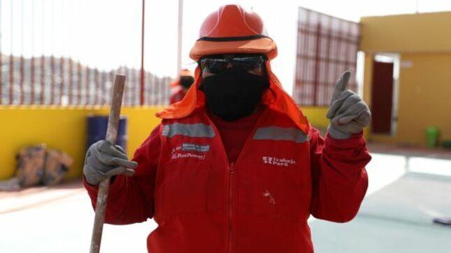 Participantes de Trabaja Perú reciben kits de mascarillas del Minsa