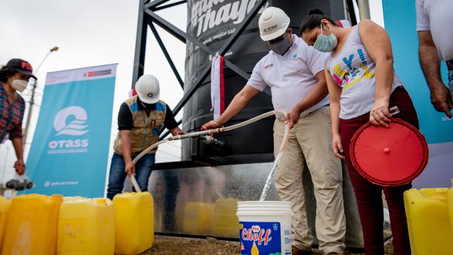 """Ponen en operación pozo tubular e instalan tanques portátiles """"Yaku Thaya"""" para garantizar agua potable en Tumbes"""