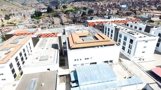 """Gobernador del Cusco: """"Nuevo gobierno nacional debe garantizar continuidad y conclusión del Hospital Antonio Lorena"""""""