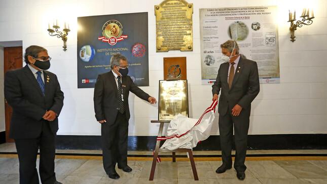 Presidente Sagasti destaca labor del Instituto Nacional de Salud en la lucha contra la COVID-19