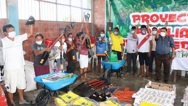Comunidad de Salvador recibió 5,000 gallinas y herramientas de Familias Emprendedoras de Maynas