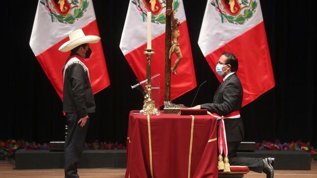 Roberto Sánchez juró como ministro de Comercio Exterior y Turismo