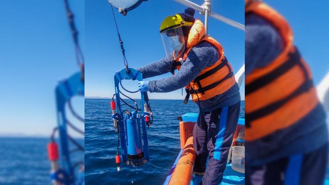 Imarpe realiza monitoreo limnológico en el lago Titicaca