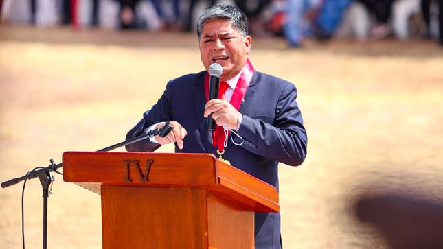 Gobernador de Ayacucho participó la ceremonia de juramentación simbólica del presidente Pedro Castillo en el Santuario Histórico de la Pampa