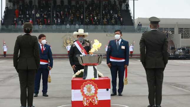 Presidente de la República encabezó Gran Parada y Desfile Cívico Militar por el Bicentenario de la Independencia