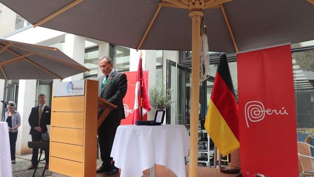Embajada del Perú en Alemania realiza actividades oficiales conmemorativas del Bicentenario de la Independencia Nacional