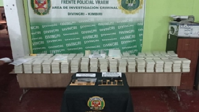 Intervienen a tres personas en Huanta con droga que iba a ser trasladada al exterior del país