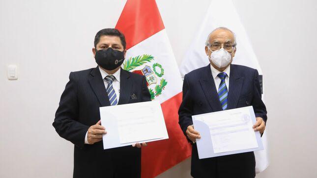 Ministro Aníbal Torres y exministro Eduardo Vega firmaron Acta de Transferencia de Gestión del sector Justicia y Derechos Humanos