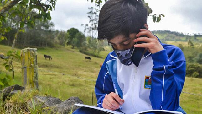 Yachay Wasi, el voluntariado del bicentenario que apoya la educación de los niños del Perú