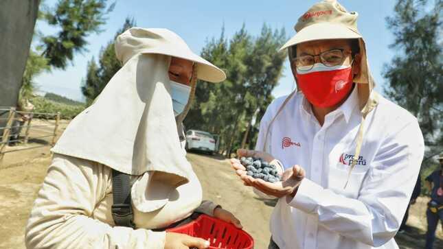 """Ministro Sánchez: """"La agroexportación y el turismo son motores de la economía peruana"""""""