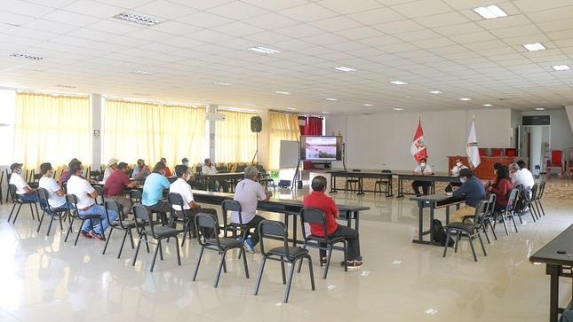 Agricultores visitan a Director del PEBPT para recibir información sobre el Plan Integral del río Tumbes.