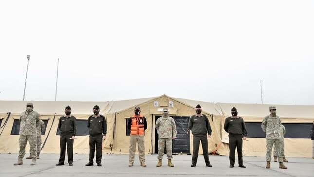 Entregan hospitales de emergencia móviles en Cuartel General del Ejército