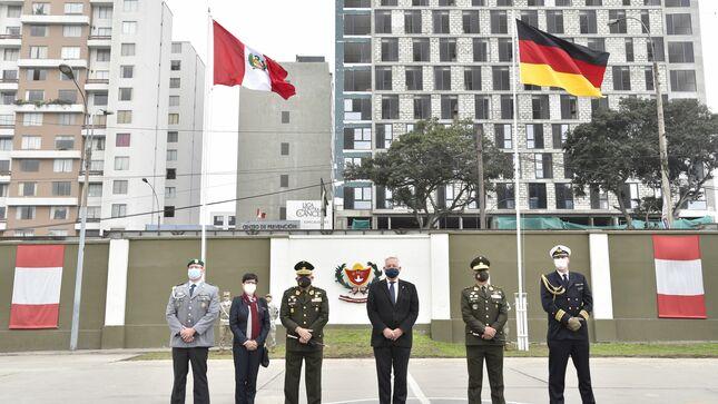 Visita del Embajador de la República Federal de Alemania al Hospital Militar Central (HMC)