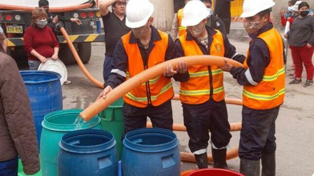 Fuerzas Armadas continúan apoyando con agua potable a vecinos de San Juan de Lurigancho