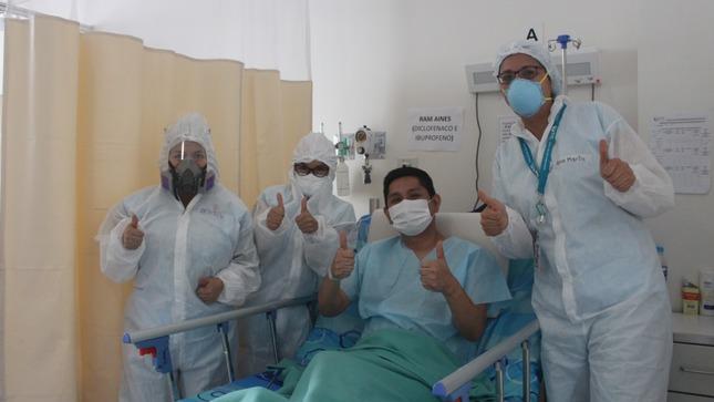 ¡Ejemplo de valentía y fortaleza! Médico celebra su triunfo tras recuperarse de la COVID-19 en el Hospital Emergencia Ate Vitarte