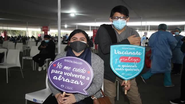 Vacunación de jóvenes impulsará retorno a las aulas en universidades e institutos