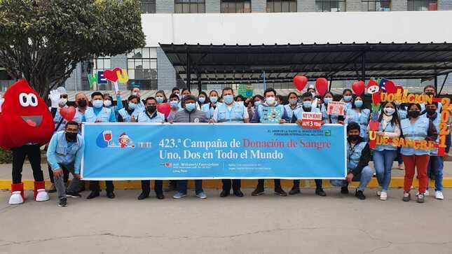 Hospital Nacional Hipólito Unanue realiza campaña de donación de sangre con voluntarios de la fundación internacional WeLoveU