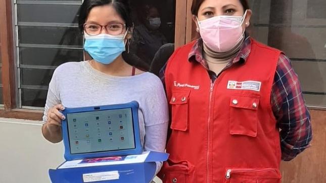 Jóvenes de Arequipa reciben tablets del MTPE para capacitación laboral y mejorar su empleabilidad