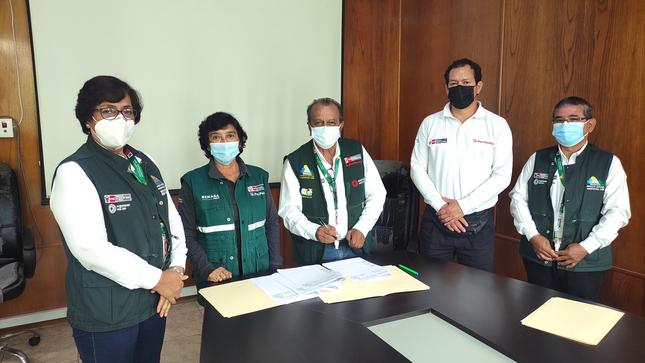 PEJEZA y SENASA Cajamarca firman convenio interinstitucional.