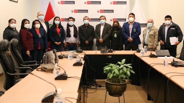 Ministros de Trabajo, Promoción del Empleo y de Salud atienden problemática laboral de los trabajadores
