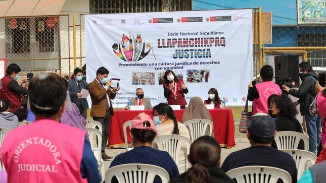 """Elvia Barrios: """"Poder Judicial cierra brecha de acceso a la justicia a través de feria Llapanchikpaq"""""""
