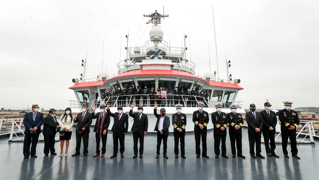 Presidente del Consejo de Ministros destaca impulso a la investigación científica durante seminario de la Marina de Guerra