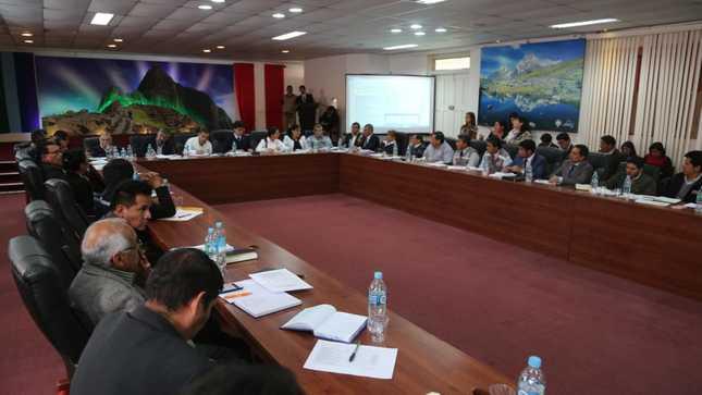 Gobierno coordina con autoridades locales y regionales de Cusco la atención de la emergencia en Huayopata y zonas afectadas por heladas