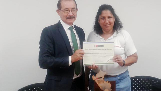 Ministra del Ambiente entregó premio Antonio Brack Egg a la Autoridad Regional Ambiental de la región San Martín