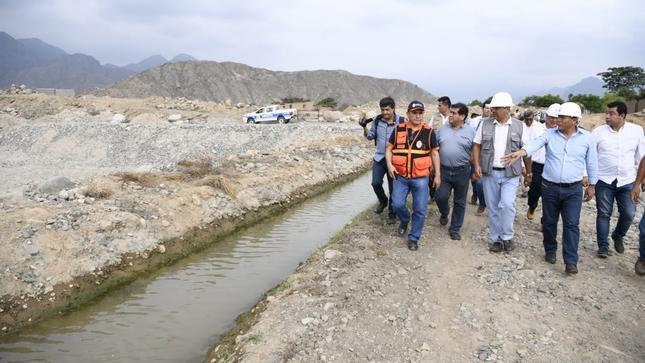 Ministro Carlos Oliva se reúne en Trujillo con autoridades para coordinar acciones frente a riesgo por lluvias y desbordes en la región