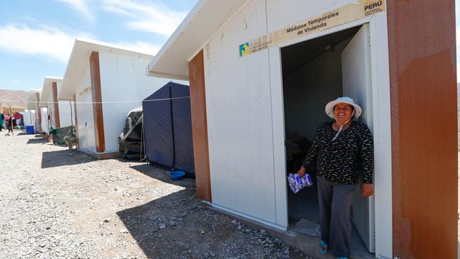 Ministro de Vivienda entrega primer lote de módulos temporales y 10 toneladas de ayuda en Mirave