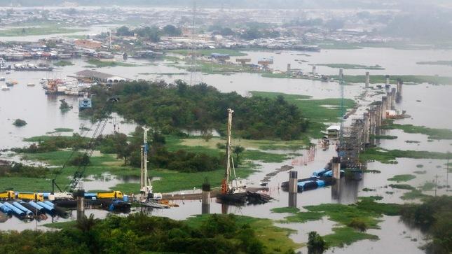 Presidente Vizcarra inspeccionó construcción del puente Nanay y dispuso acciones para atender problemática de región Loreto