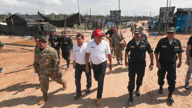 Gobierno inicia operación sin precedentes contra la minería ilegal en Madre  de Dios ca0645ac976