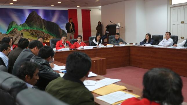 Ministro de Agricultura y Riego, Gustavo Mostajo ratifica: No se privatizarán los recursos hídricos