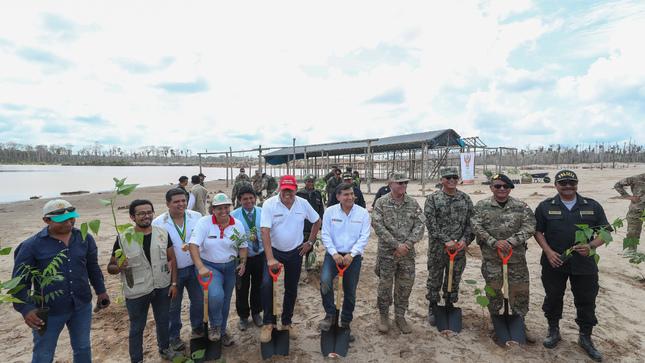 Con la instalación de Bases Temporales Mixtas de Alta Movilidad con  personal militar y policial en La Pampa. Ministros de Defensa f8afd6c9aeb