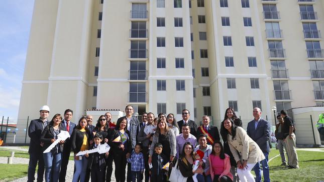 Presidente Vizcarra entregó en Junín 3,500 títulos de propiedad para ciudadanos, comisarías, colegios y centros de salud