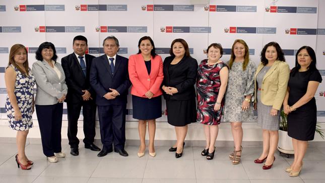 """Ministra Flor Pablo: """"Lima debe potenciar el trabajo con docentes para la mejora de los aprendizajes rumbo al Bicentenario"""""""