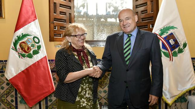 Primera visita al Perú de la Secretaria Ejecutiva del Acuerdo sobre la Conservación de Albatros y Petreles (ACAP), Embajadora Christine Bogle