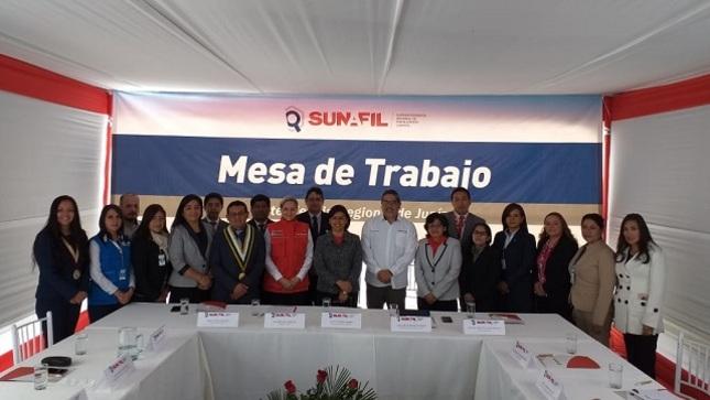 """Ministra Cáceres: """"Nuestro país permite el trabajo de toda persona independientemente de su nacionalidad"""""""