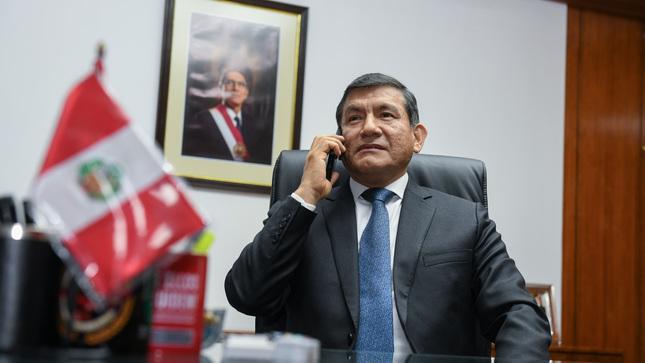Ministro Morán respalda a policía que abatió a delincuente que lo apuñaló
