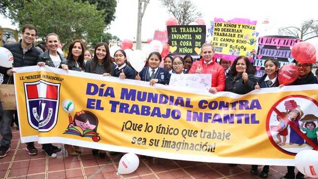 Ministerio de Trabajo se une contra el trabajo infantil  con vistoso pasacalle